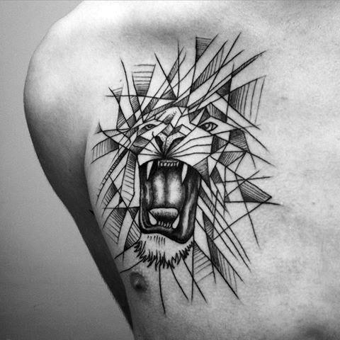 Тату лев для мужчин
