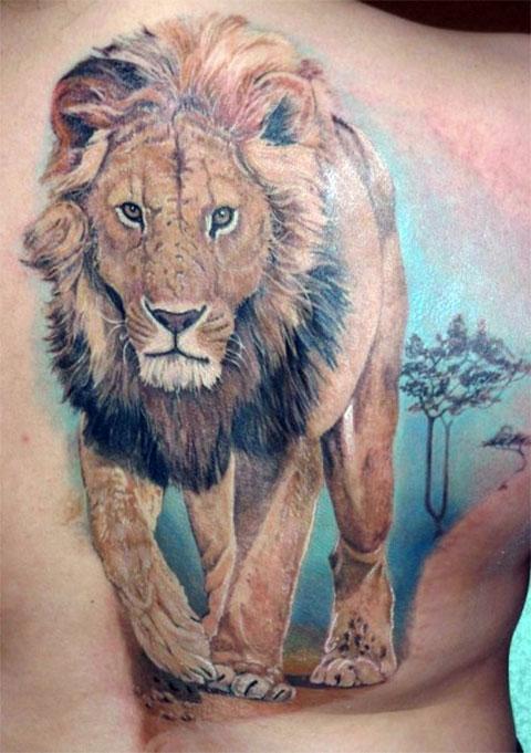 Большая тату лев у мужчины