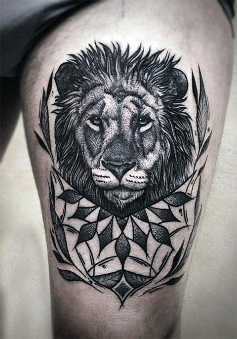 Тату лев на бедре для мужчин