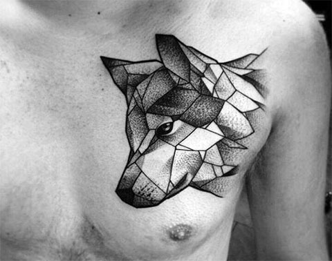 Тату волк в геометрии на груди