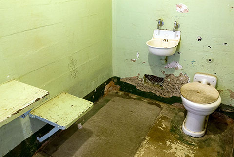 Камера в тюрьме Алькатрас
