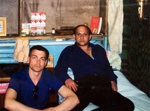 Справа: вор в законе Теймураз Гоголашвили (Цико), Саратовская область, СТ-3 тюрьма; Балашов