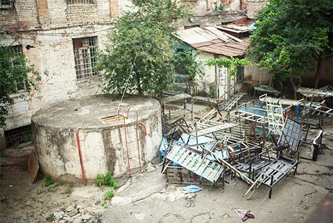 Вид из окон на внутренний двор Ортачальской тюрьмы