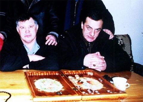 Слева воры в законе: Юрий Тишенков (Ганс) и Гуджа Дигмелашвили
