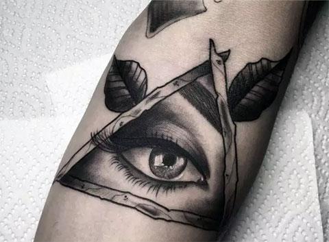 Татуировка всевидящего ока