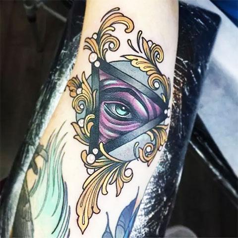 Фото татуировки всевидящее око для девушек
