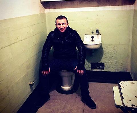 Автандил Хурцидзе - Чакуча в камере тюрьмы