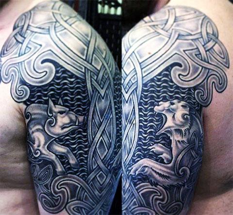 Тату с кельтским узором на плече