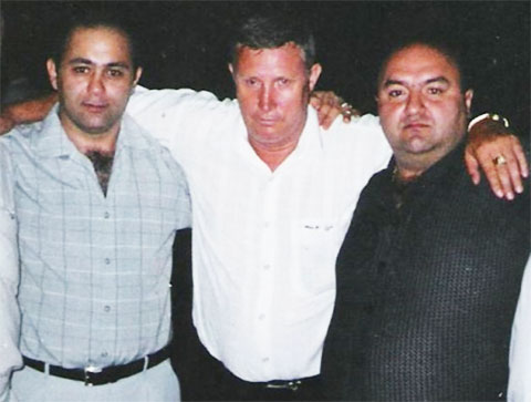 Слева воры в законе: Мухамед Петов (Миша Черкес) и Виктор Рыженков (Петрович Казахстанский)