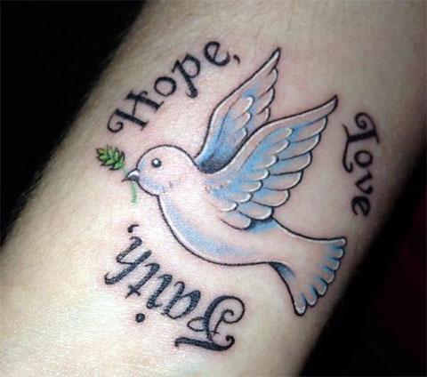 Тату вера надежда любовь с эскизом птицы