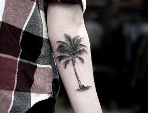 Тату пальма на руке