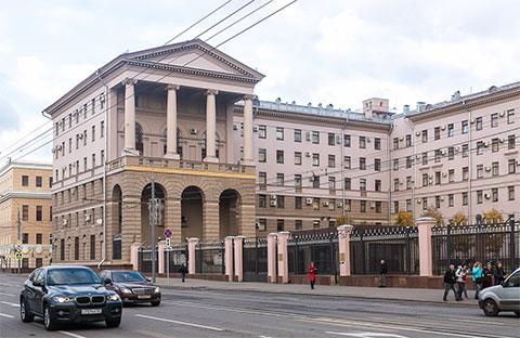 Москва, Петровка 38