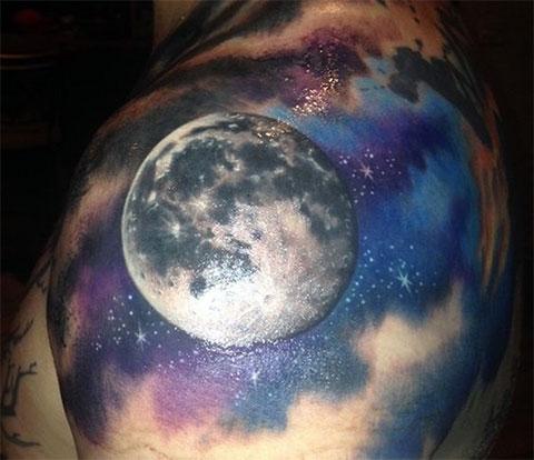 Тату планета Луна