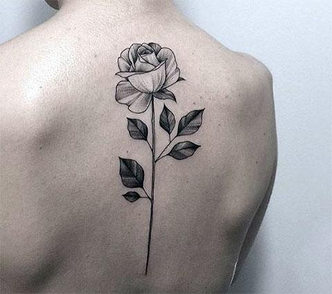 Тату цветок на спине - фото