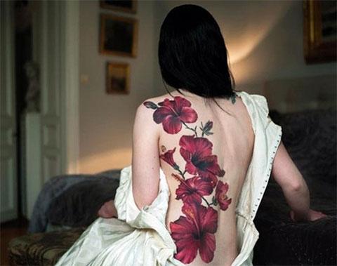 Тату цветы на спине для девушек - фото