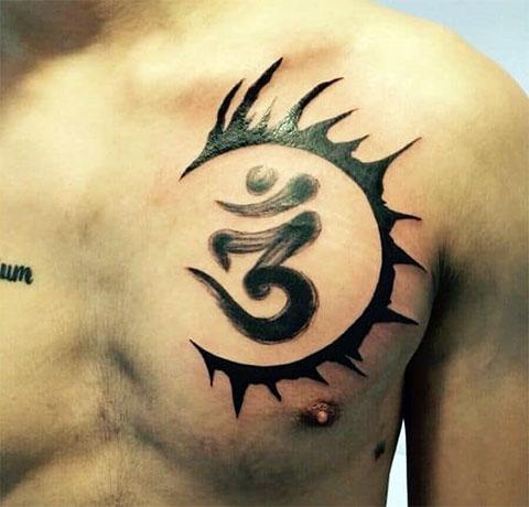 Татуировка в стиле графики