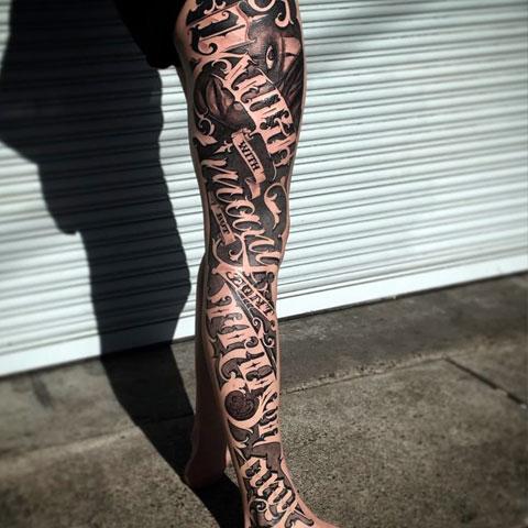 Тату надписи на ноге - фото