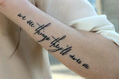 Тату надписи на руке для девушек