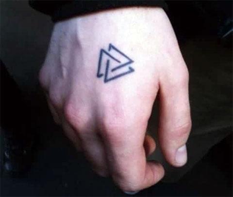 Тату символы на руке