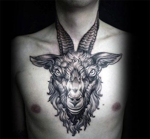 Тату овен на груди