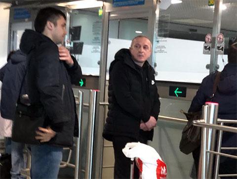 Справа: Аслан Кобуладзе перед вылетом в Стамбул, 5 апреля 2019 года