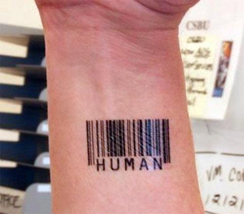 Татуировка штрих код на запястье - фото