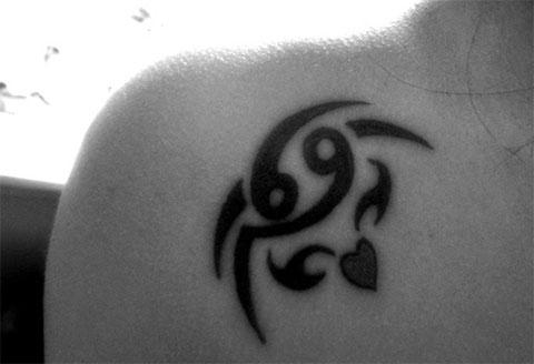 Тату знак зодиака рак для девушки