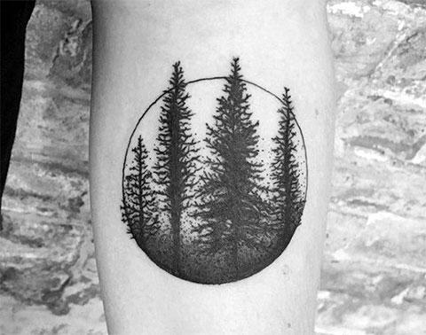 Татуировка с деревьями