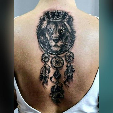 Тату на пине - ловец снов и лев с короной