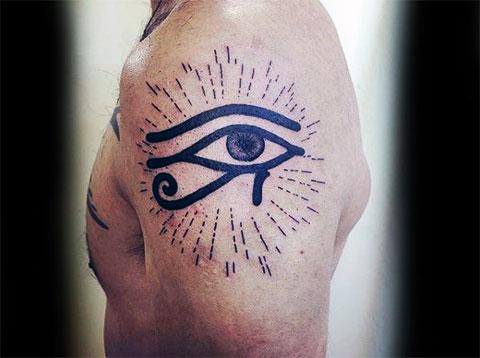 Тату для мужчин глаз Гора