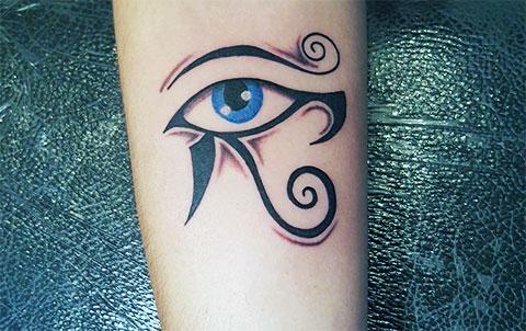 Тату глаз Гора