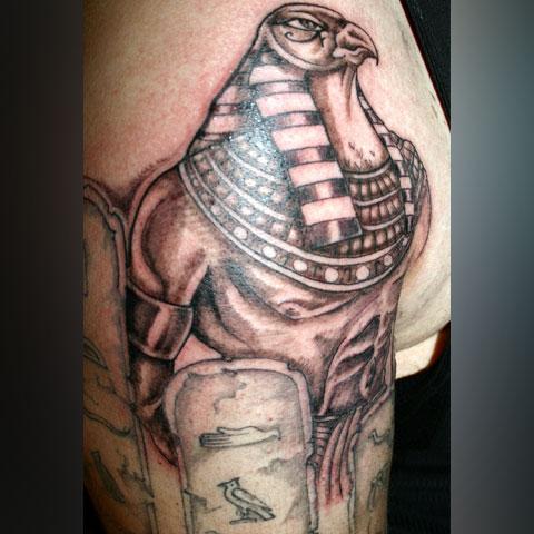 Татуировка бог Гор