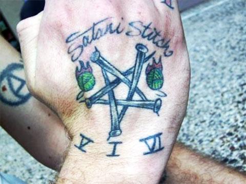 Тату пентаграмма на руке