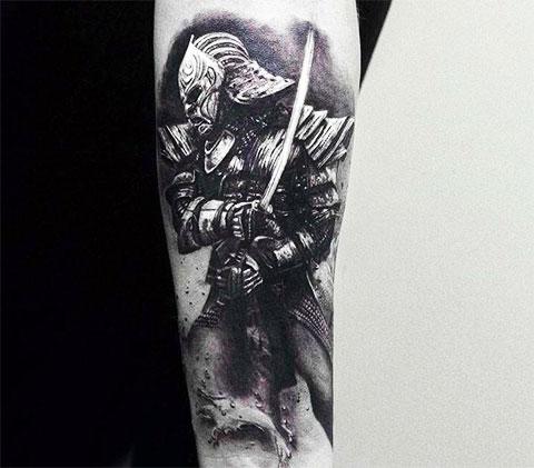 Тату самурай на руке - фото