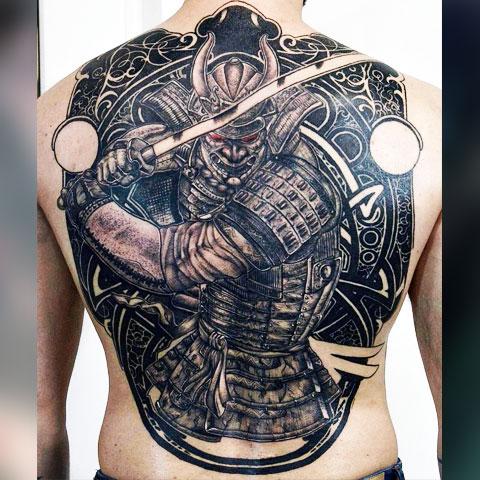 Тату самурая на спине