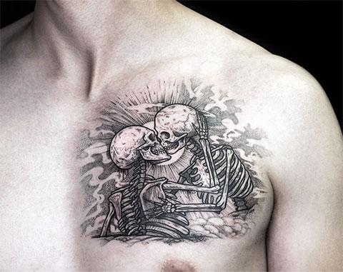 Тату влюбленные скелеты на груди