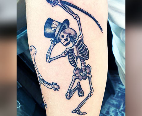 Тату пляшущий скелет - фото