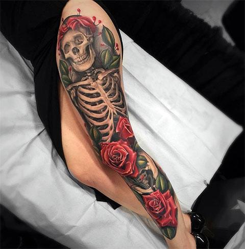 Тату скелет и розы для девушек