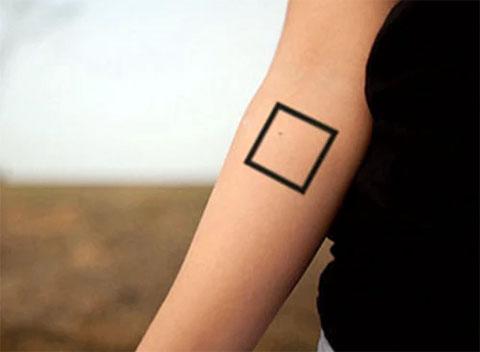 Татуировка квадрат - фото