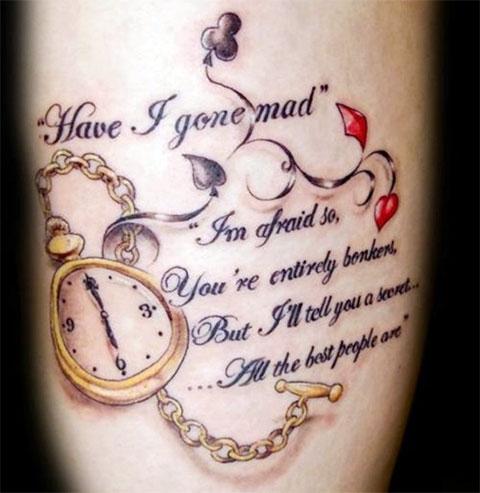Тату надпись в стиле Алисы в стране чудес