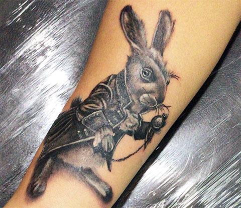 Тату кролик из Алисы в стране чудес