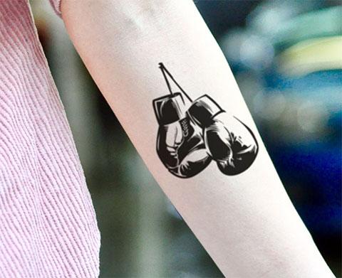 Тату боксерские перчатки на предплечье