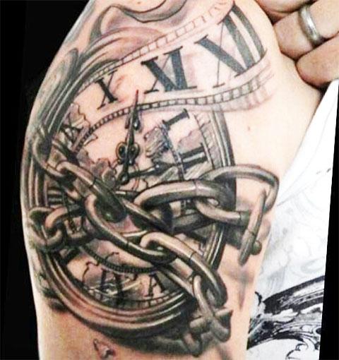 Татуировка часы перевязанные цепью