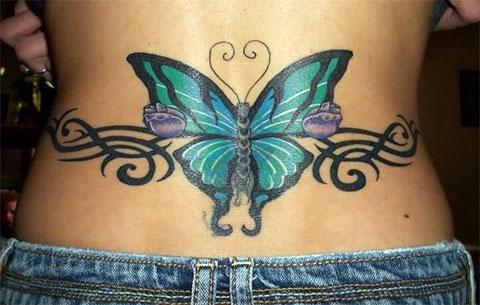Бабочка на пояснице - женская татуировка
