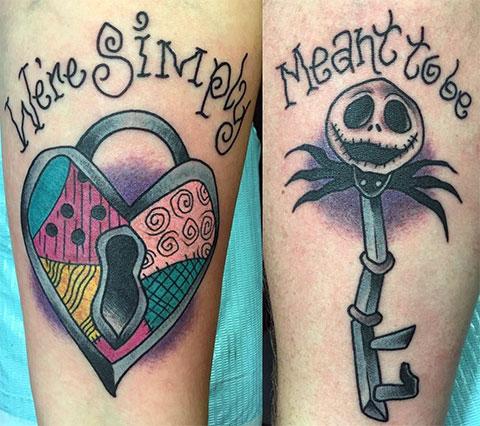 Парная татуировка с замком и ключом
