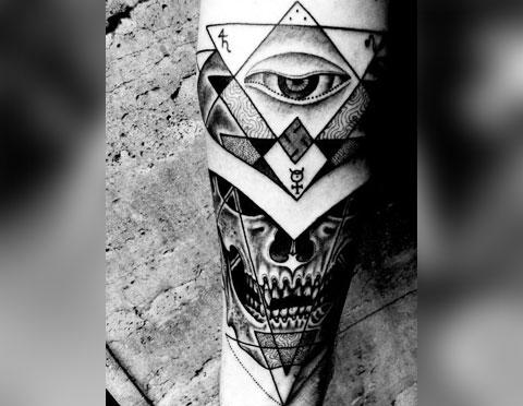 Тату глаз в треугольнике для мужчин