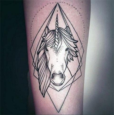 Татуировка единорог