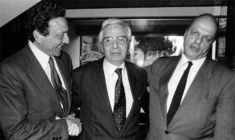 В центре: Личо Джелли в компании своих адвокатов