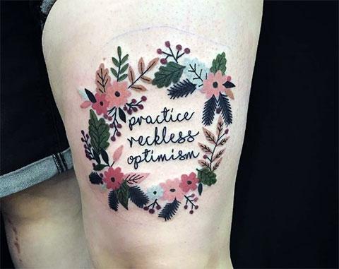 Татуировка венок из цветов