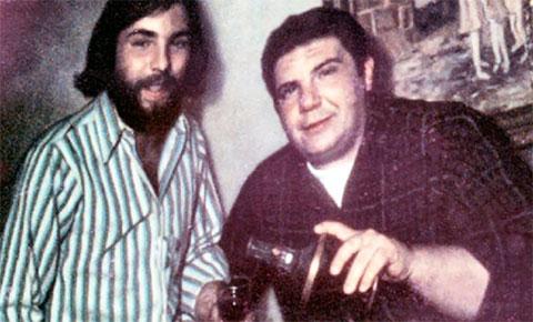 Слева: Рональд Дефео со своим отцом Рональдом-старшим